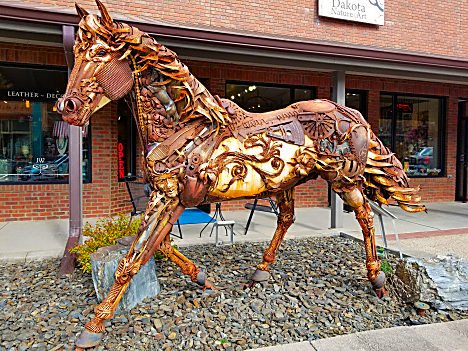 Hill City Large Horse