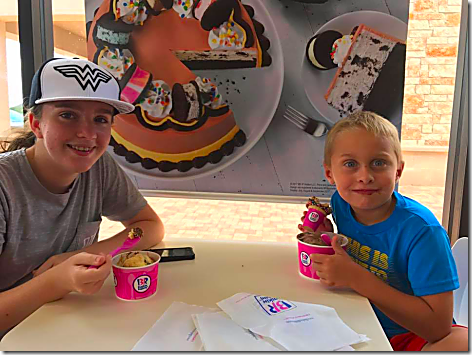 Landon and Gwen at Baskin-Robbins